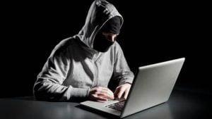 Thận trọng với chiêu trò chiếm đoạt tài khoản Facebook, ngân hàng